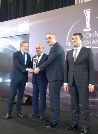 """Karataş Şirketler Grubu """"Çevre Sektör Lideri ödülü"""" aldı"""