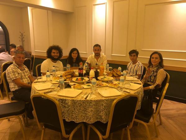 Karataş ailesi,çalışanları ile birlikte iftar yemeğinde buluştu
